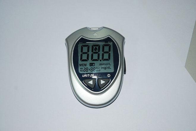 Blood-Glucose-Meter-machine-URIT-26-4